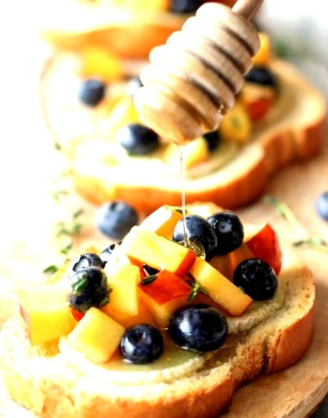 Goat Cheese Crostini with Blueberry and Peach