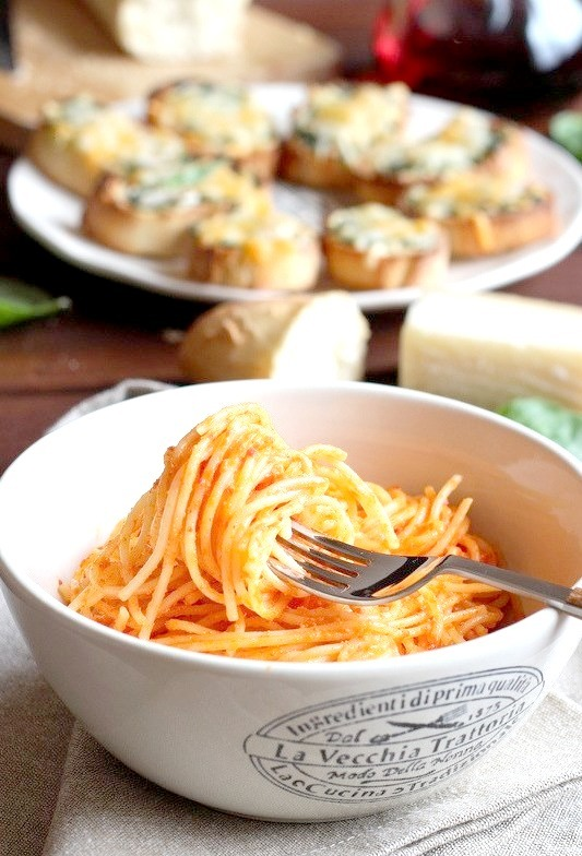 Spaghetti With Roasted Pepper Cream And Goat Cheese
